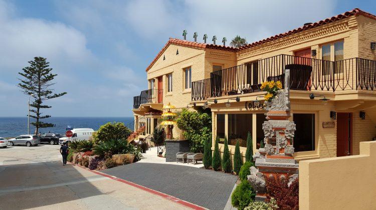 La Jolla's Pantai Inn