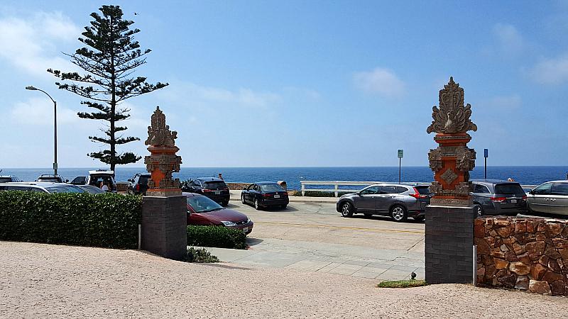 Oceanview room at Pantai Inn La Jolla, California Hotel