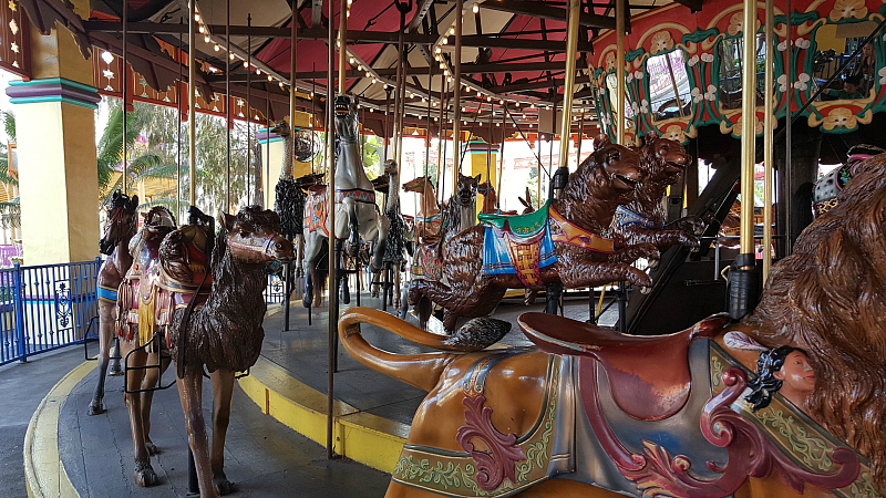 classic carousel knotts berry farm