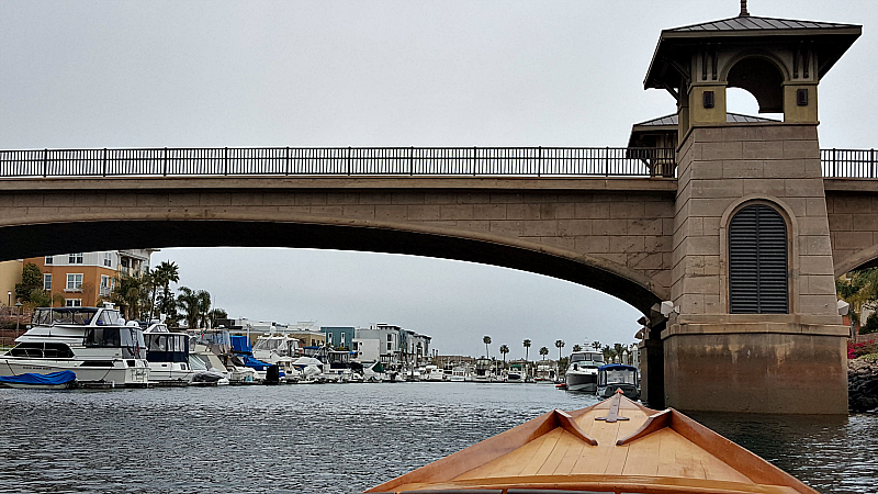 gondola canal bridge
