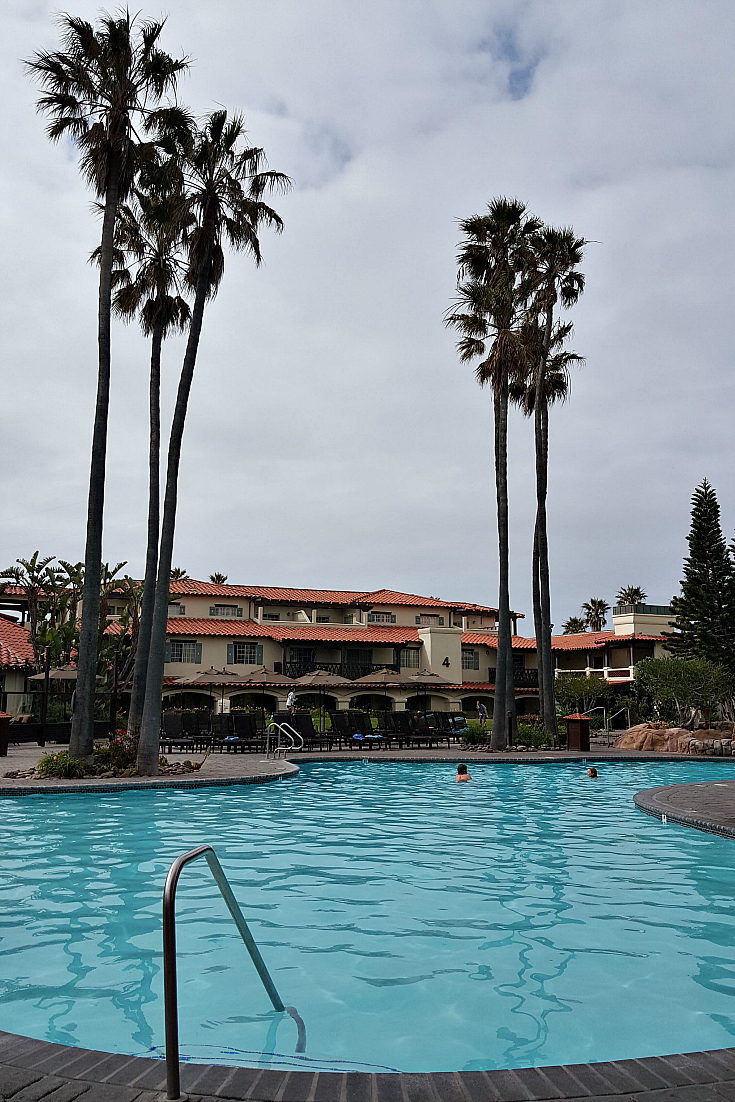 mandalay beach resort pool oxnard