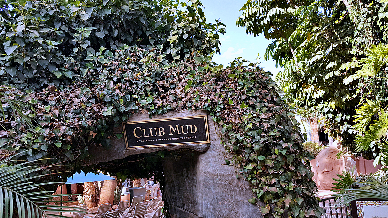 glen ivy club mud entrance
