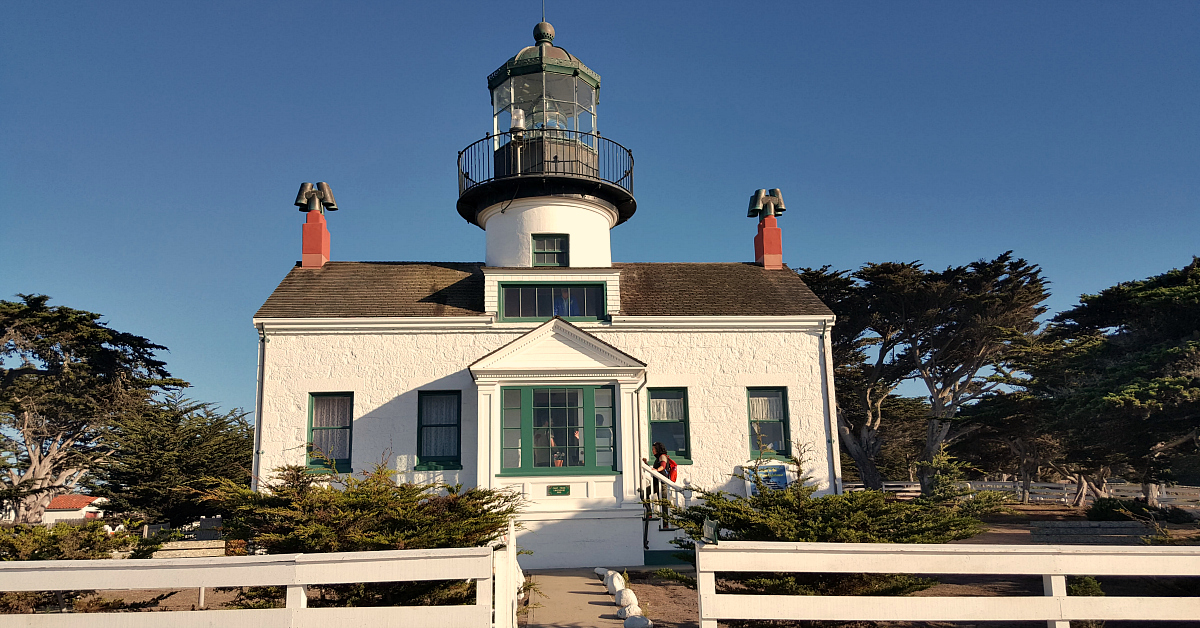 feature point pinos lighthouse