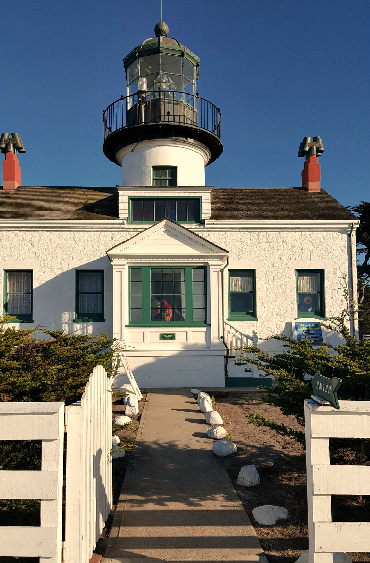pin point pinos lighthouse