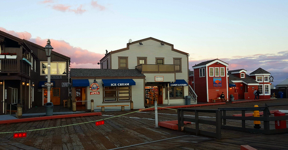 stearns wharf shops