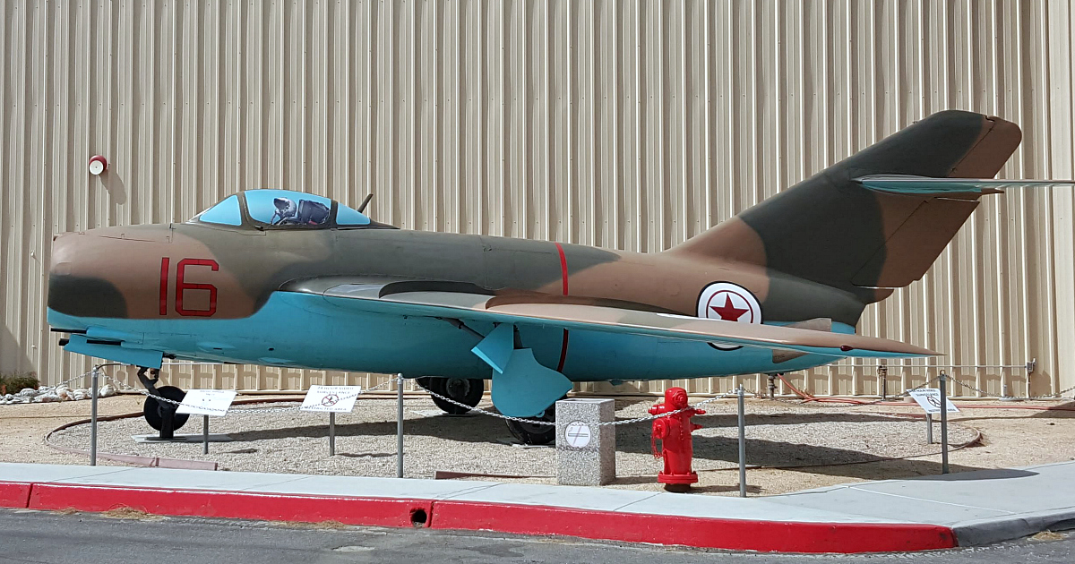 16 palm springs airplane museum