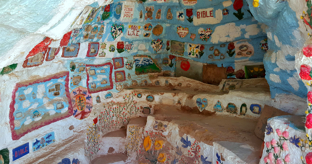 adobe igloo salvation mountain