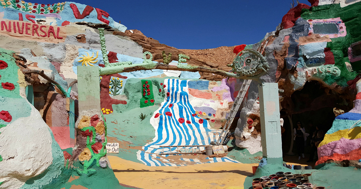 love arch salvation mountain
