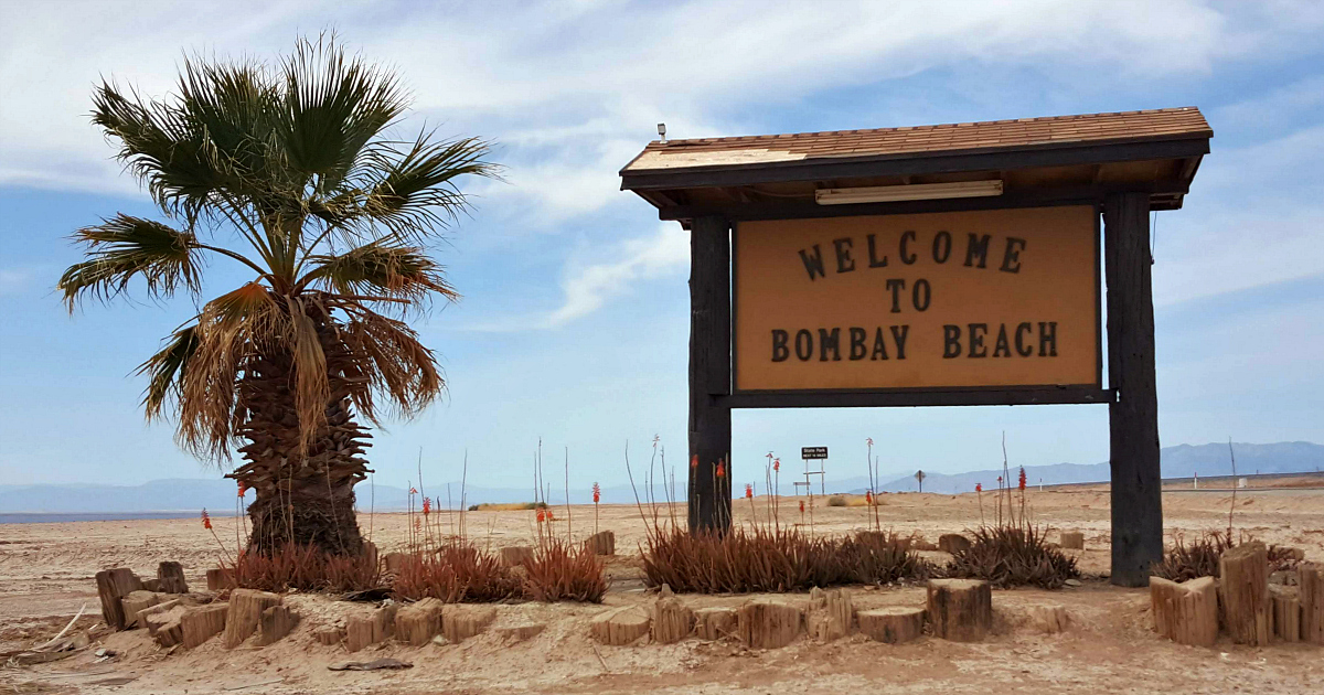 salton sea welcome to bombay beach