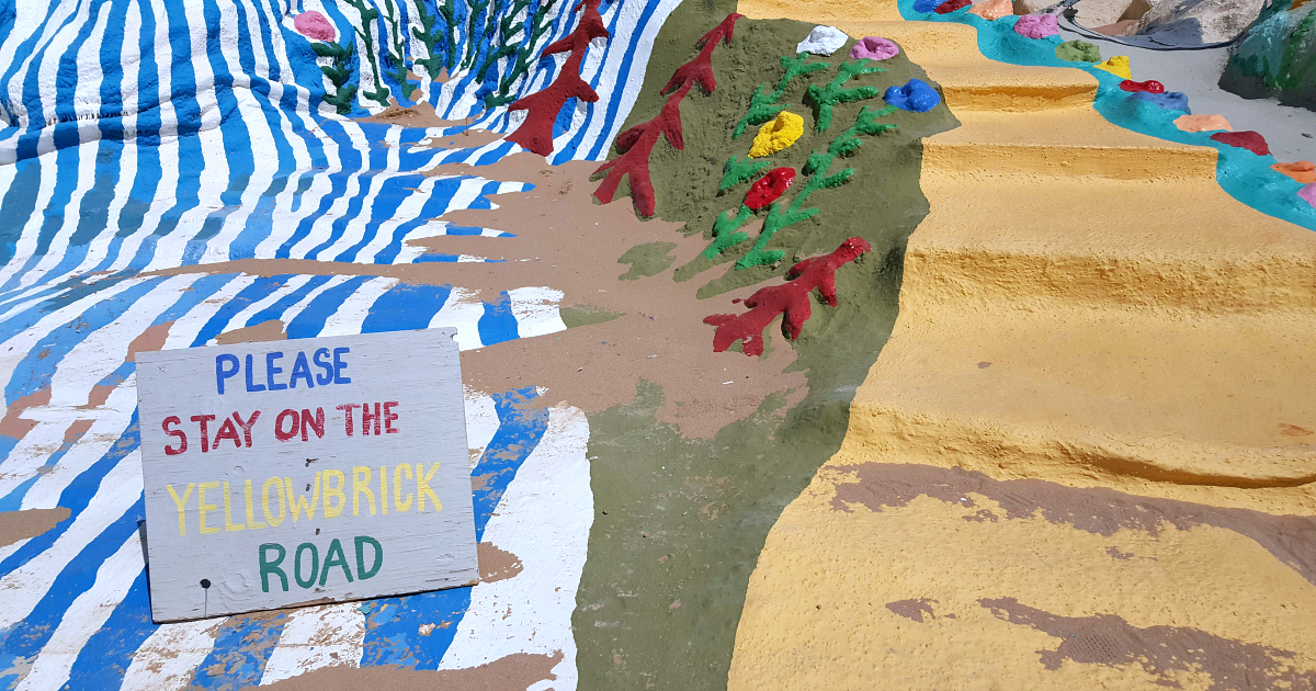 yellow brick road salvation mountain