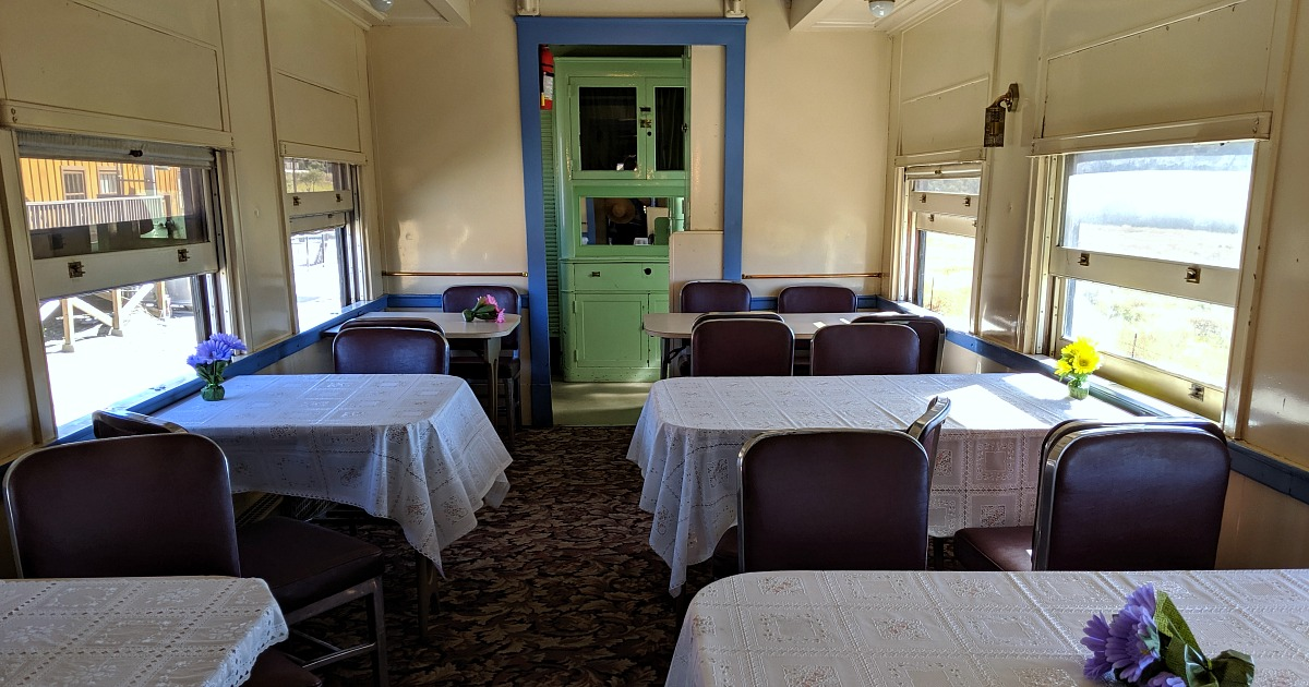 campo train dining car